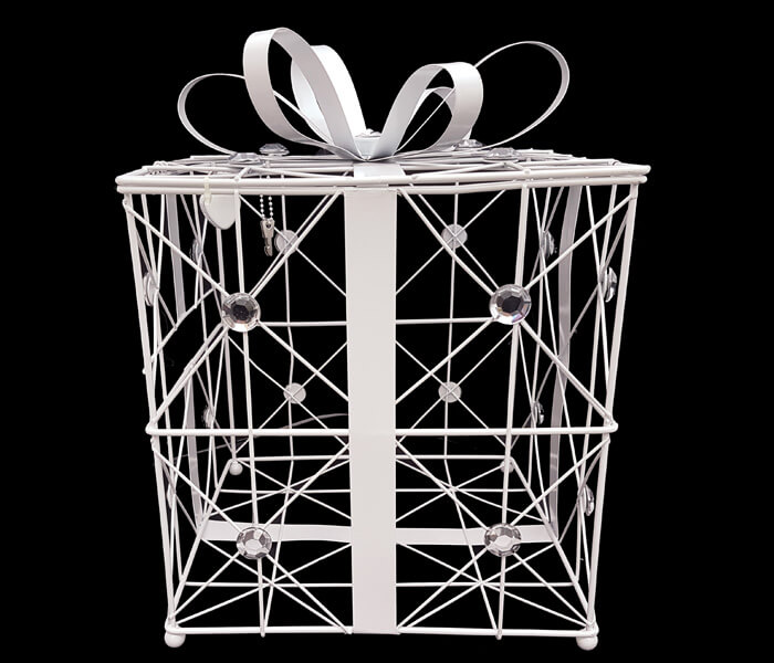 EL-546 Card Keepers Gift Box White 25cm widex25cm Deep x 27cm High comes with lock _ Keys 35.00